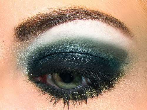 Smokey eyes verde e nero