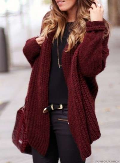 Cardigan bordeaux e look total black