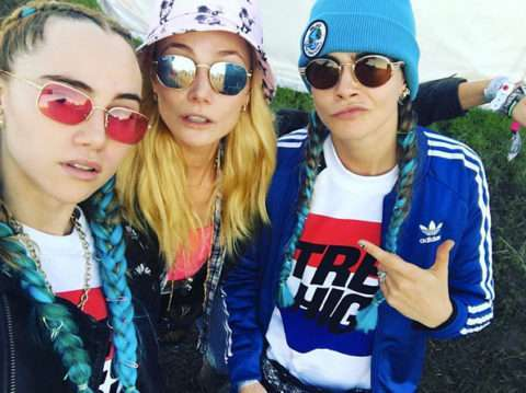 Suki Waterhouse e Cara Delevingne con i capelli colorati