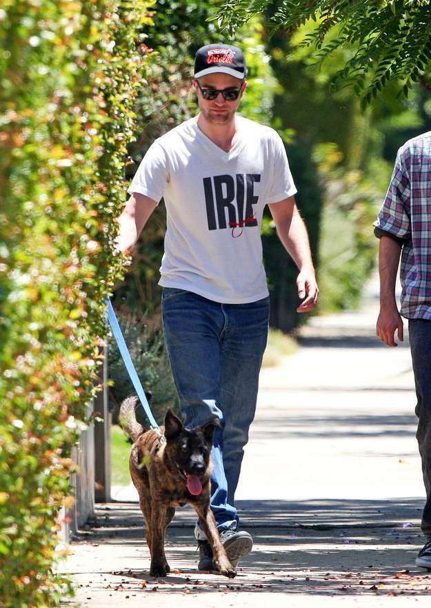 Robert Pattinson con il cane Bear