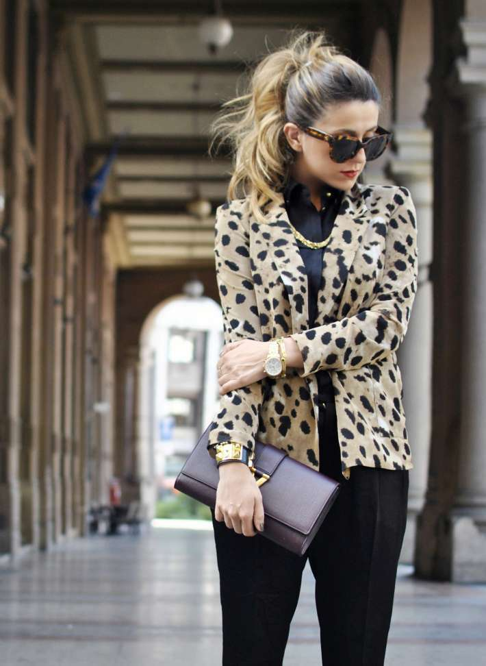 Giacca animalier e look total black