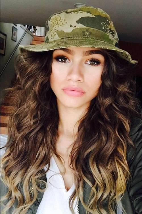 Zendaya con le beach waves