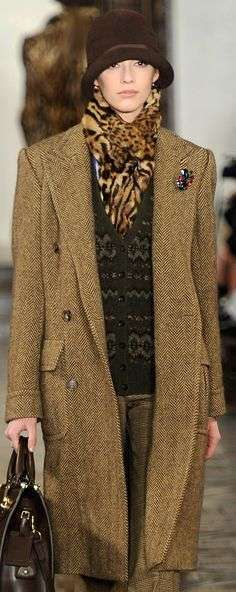 Cappotto in tweed e cloche