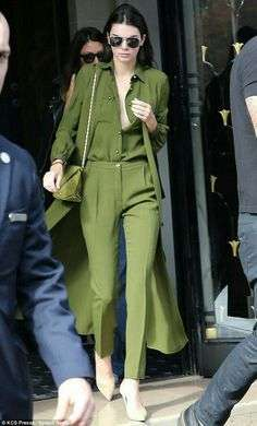 Look total Greenery per la primavera 2017