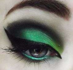 Makeup Greenery e eyeliner nero