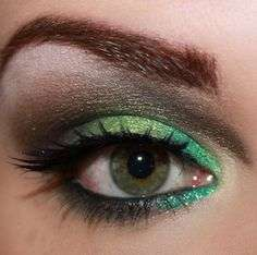 Smokey eye Greenery