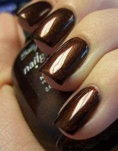 Manicure color rame scuro