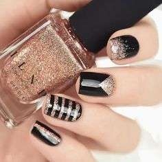 Nail art color rame glitterato e nero