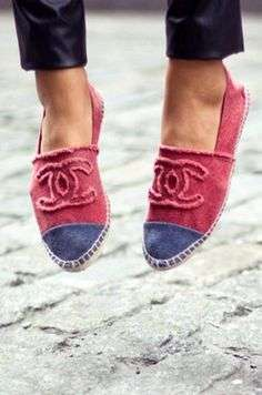 Espadrillas bicolore di Chanel