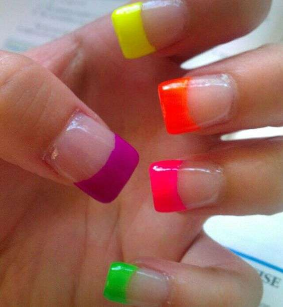 French manicure fluo