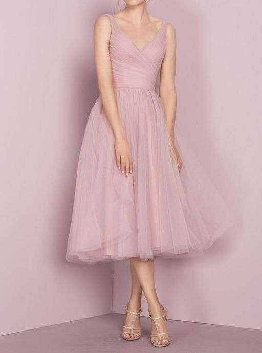Abito rosa confetto con gonna in tulle