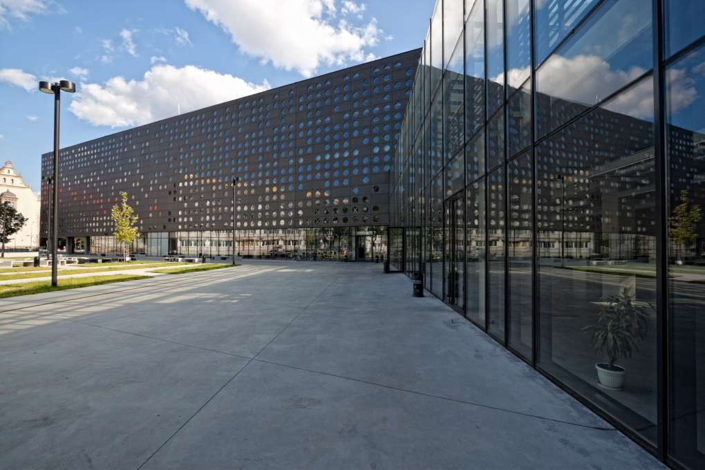 Wroclaw University of Technology in Polonia