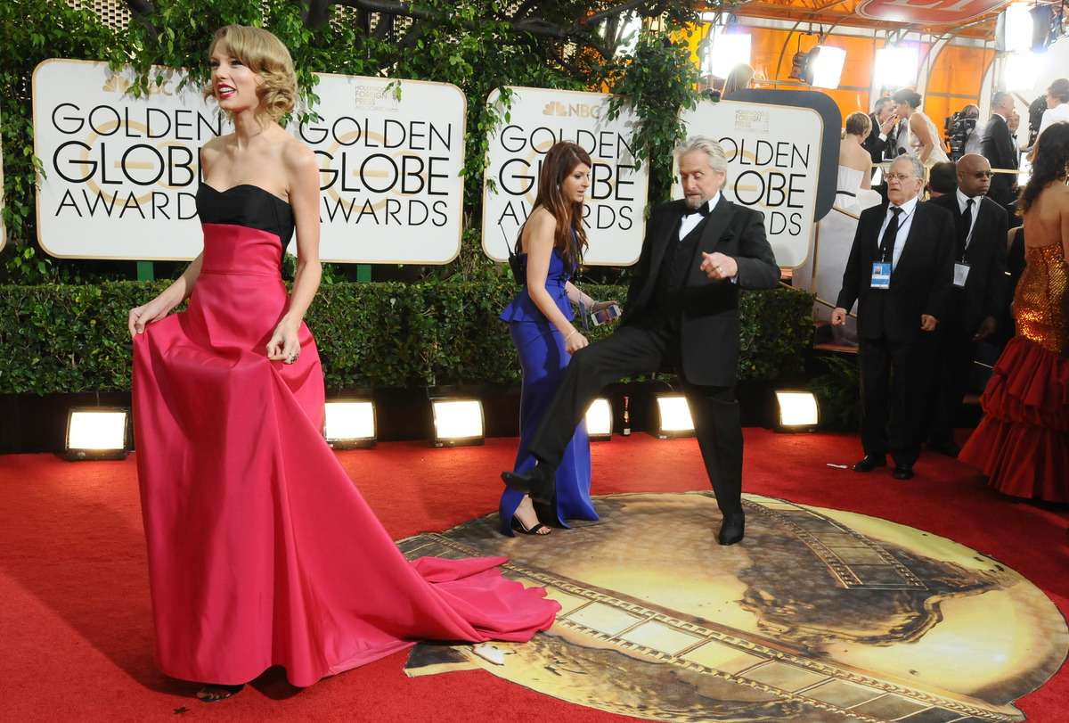 Golden Globe 2014 - Taylor Swift e Michael Douglas