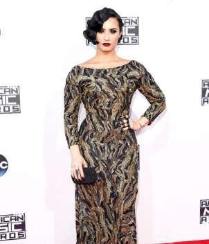 AMAs 2015 red carpet - Demi Lovato look