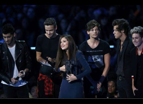 one direction selena gomez mtv video music awards 2013