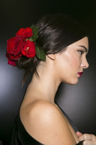 3Accessori tra i capelli la tendenza top per la Primavera Estate 2015  Dalla sfilata di Dolce e Gabbana_image_ini_625x465_downonly