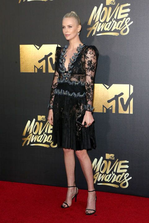 Charlize Theron sul red carpet