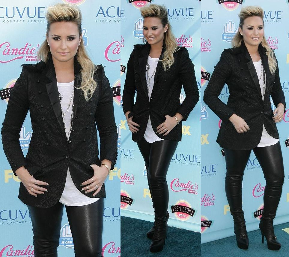 Demi Lovato outfit 2013 Teen Choice Awards 1[1]
