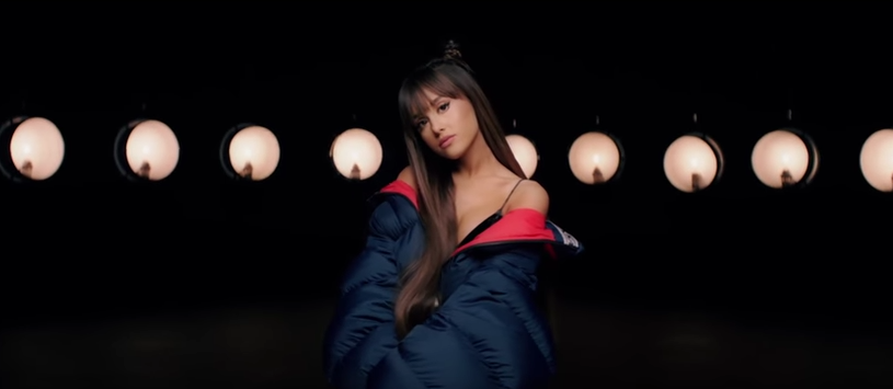 ariana grande everyday video testo traduzione